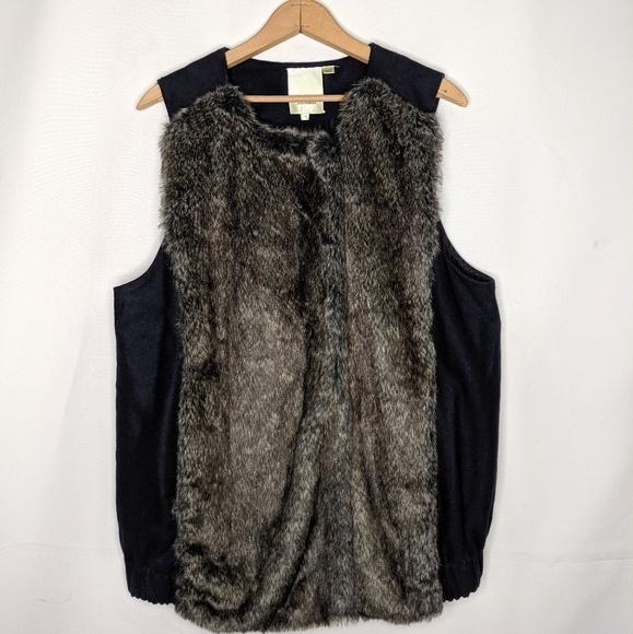 Anthropologie Jackets & Blazers - Anthropologie Elevenses Faux Fur Vest Size Medium